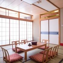 【和室12畳+広縁】最大6名様までお泊りいただけるゆったりとした和室でおくつろぎください。