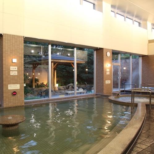 【大浴場】館内で一番の広さを誇るお風呂。足を伸ばしてゆっくりお楽しみください。
