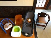 お子様用の椅子は各種ご用意しています
