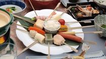 【古湯フォンデュ】地元富士町産の新鮮野菜やお肉をくぐらせてお召し上がり頂きます