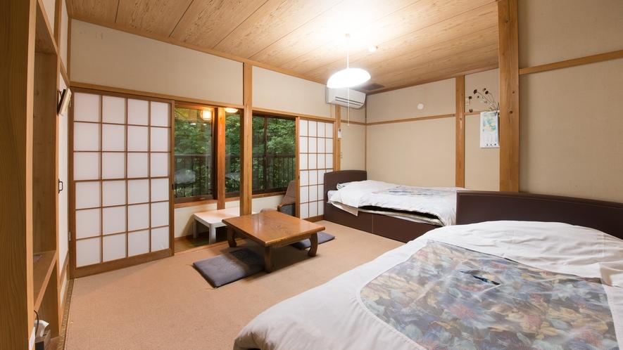*部屋(和洋室まんさく)全室から中ノ沢川を眺めら、川のせせらぎが聞こえます。