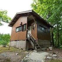 *外観(別荘かわせみ)10畳+フローリングの貸別荘。お部屋には嬉しいキッチン付き!