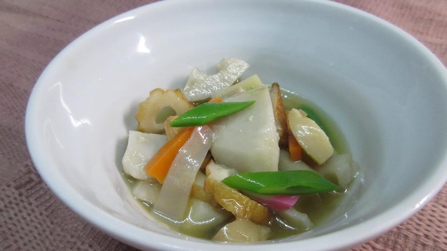 *【のっぺい汁】新潟県を代表する郷土料理。新潟の「ふるさとの味」をお召し上がりください。
