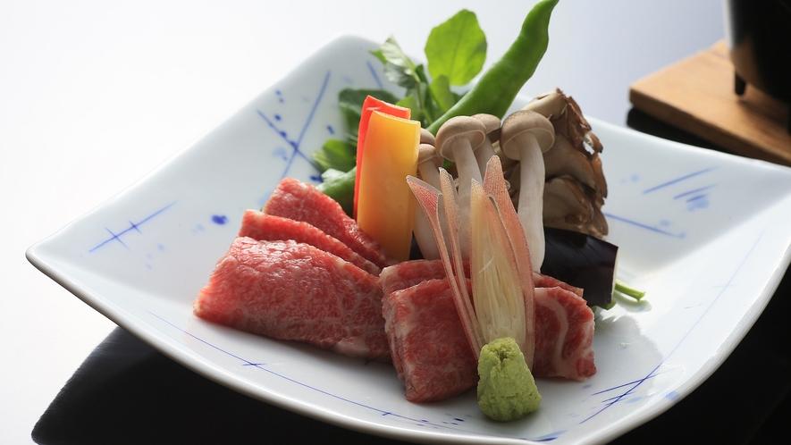 別注料理:和牛ロースの陶板焼き(一人前3850円税込)