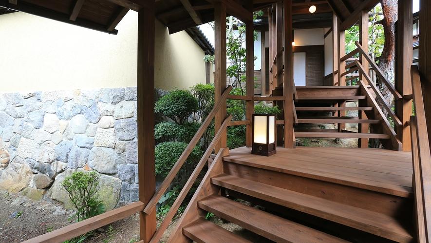 桜御殿への階段