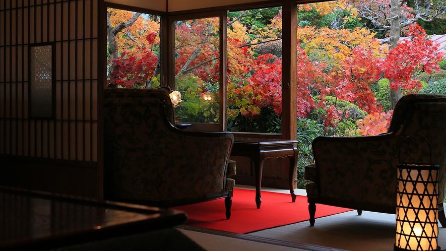 離れ81番は紅葉が美しいお部屋です