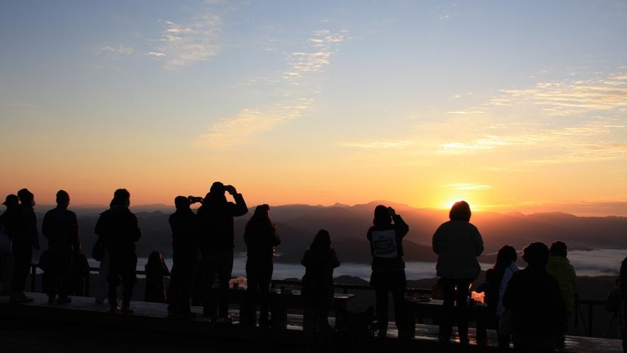 天空の朝ごはん 日の出の瞬間の撮影ラッシュ②