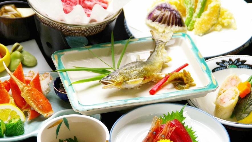 *季節の会席、旬味を取り入れて目にも舌にも愉しめるお料理の数々を…