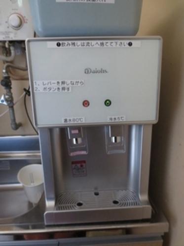 浄水器型温冷水器