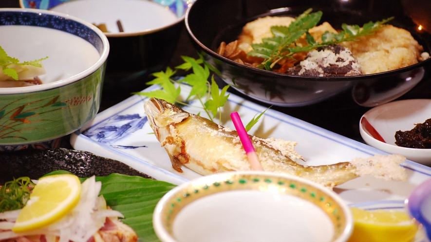 *【お料理一例】アユやヤマメなど季節の川魚をご賞味ください♪ ※写真はアユです。