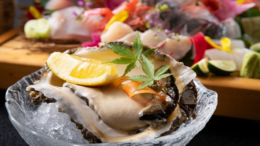 夏の味覚「岩牡蠣」立派な大きさに驚かれるお客様も。