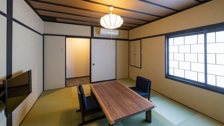 2F和洋室<雅-miyabi>の和室です。足を伸ばしてゆったりお寛ぎ頂けます。