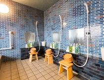 男性浴場(洗い場)