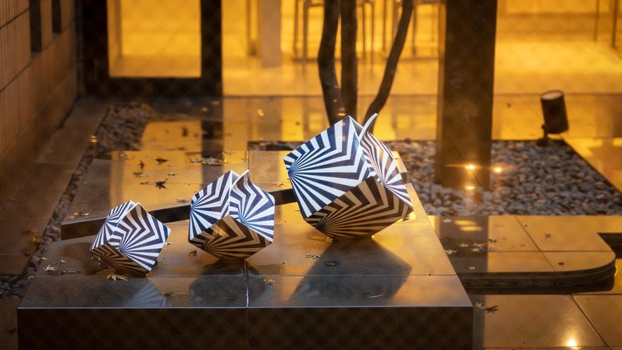 館内では、200を超える現代アート作品が展示されております。