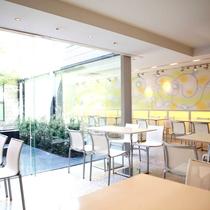 【ダイニングカフェチグサ】朝食はこちらにご用意いたします。ゆっくりとお召し上がりください。