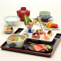 【和朝食一例】厳選された素材を使用したこだわりの和食。日本の朝をご堪能下さい。
