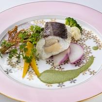 【フレンチ】生産者直送!地元の新鮮な旬野菜や魚介類を使用した自慢の料理です。