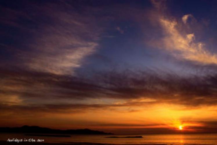 夕日と青のコントラスト