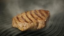 夕食_ステーキの調理イメージ!グリル版で一気に焼いて、じっくりオーブンで火入れをしてます!