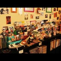 館内_本やおもちゃなどいろいろな遊び道具があります!使った後は元の場所に戻してね♪