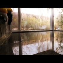 貸切風呂_那須七湯の1つ、高雄温泉に属する天然温泉。美容にも最適です♪