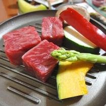 *【島根和牛】豊かな自然で育った島根和牛。その風味と肉の柔らかさをぜひお楽しみ下さい
