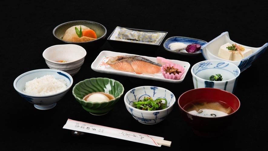*【朝食】】地元産のお米を使用し和定食をご用意しております♪