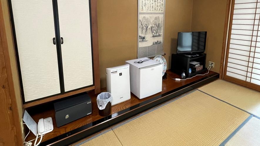 *【客室一例】和室12畳(トイレ無し/喫煙。基本的な設備をご用意。今の時期にうれしい空気清浄機完備!