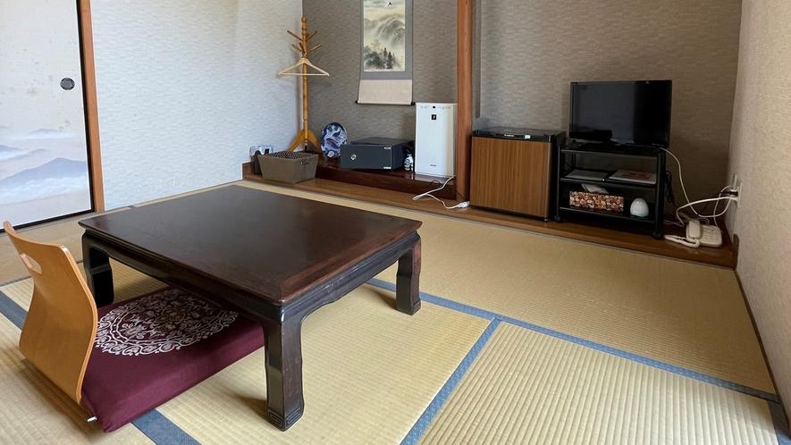 *【客室一例】和室6畳(トイレ無し/禁煙) 。旅館ならではの雰囲気の中おくつろぎください。