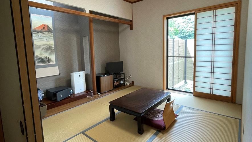 *【客室一例】和室6畳(トイレ無し/禁煙) 。こぢんまりとした少人数向けのお部屋です。