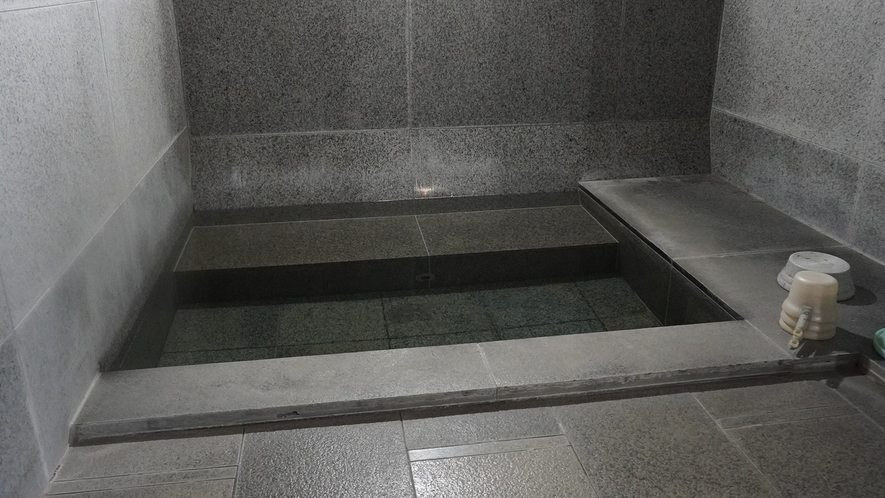 サウナの後、汗を流してご入浴ください。