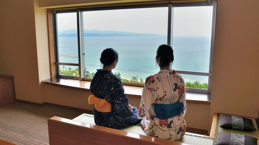 最上階客室から望む富山湾は格別