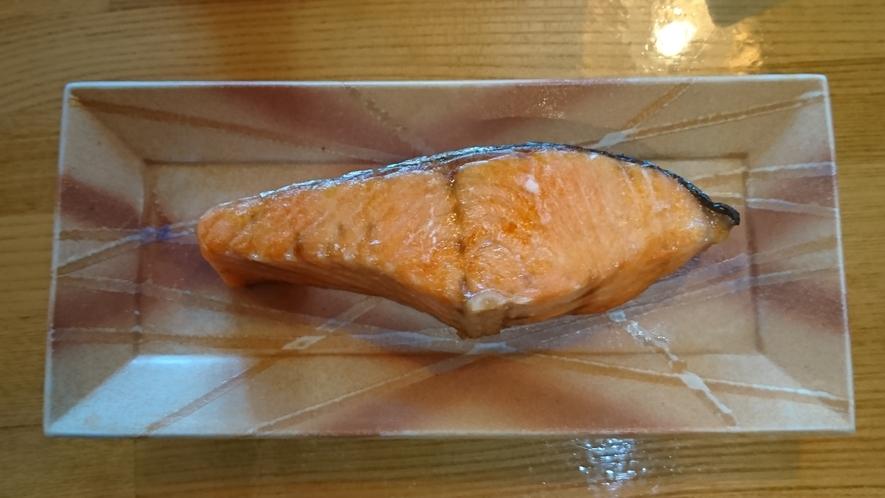 とろ火でじっくり焼いた鮭