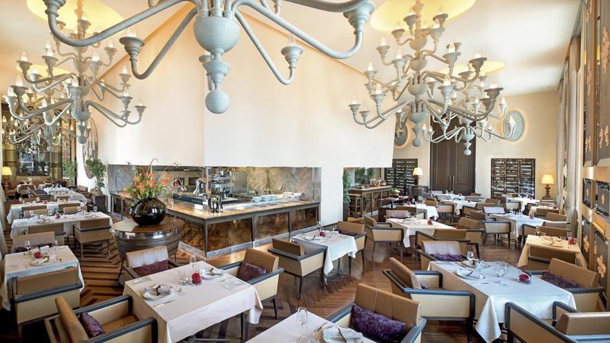 イタリア料理「ラ ベデュータ」 お洒落な店内で、五感を刺激するイタリアンをご賞味ください。