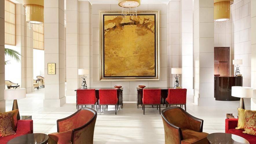 ロビー モダンでラグジュアリーな洗練された空間で、お客様をお出迎えいたします。