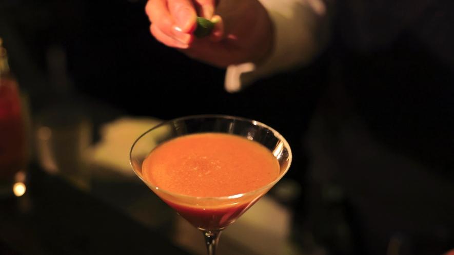 レシピに醤油、柚子、山葵を使用した大阪オリジナルのショーグンマリーは、必ず飲みたいマストカクテル。