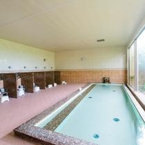 クラブハウス内大浴場--ご宿泊のみのゲストもご利用可能(11:00~23:00)