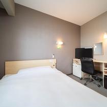 【スタンダードルーム】140cm幅ワイドベッド