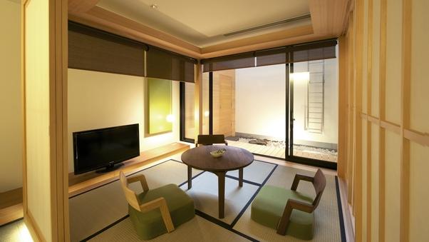 別邸カギロイルーム/60平米(1階25平米+地下階35平米)