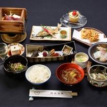 *【グレードアップ料理一例】旬の食材を使った会席料理が旅に華を添えます。