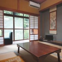 *【客室】本間のゆったりとした和室が懐かしさを感じさせるお部屋です。