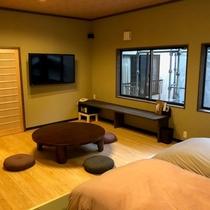 【和室13畳】お部屋にはトイレと温泉がついています。