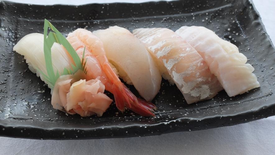 レストラン波止場メニュー「寿司、地魚5貫」