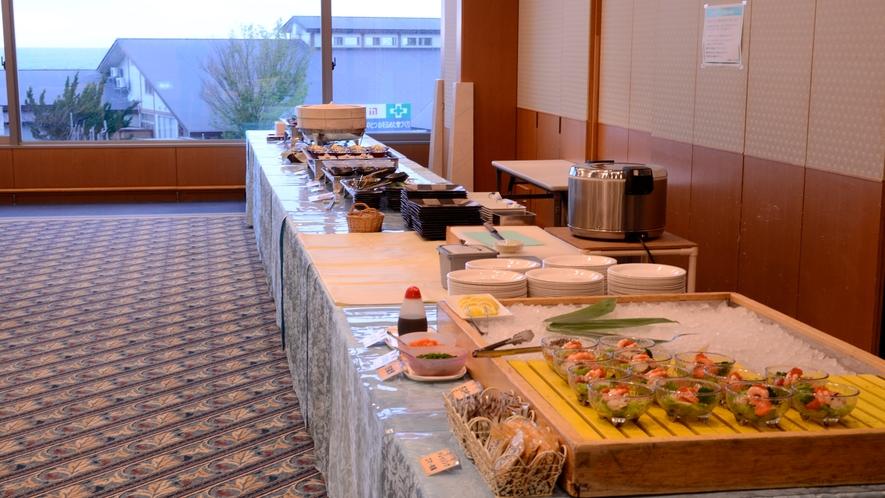 ハーフバイキングプラン、料理テーブル