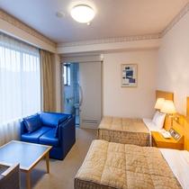バリアフリー対応客室◆洋室ツイン・里山側◆リピーターに人気の広い客室◇34平米