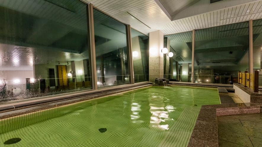 温泉 大浴槽