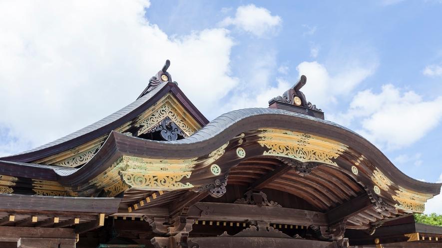 弥彦神社 本殿屋根