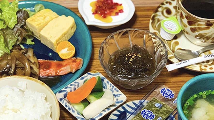 ・日替わり朝食/和食:お魚や県産メニューなど健康朝ごはん(一例)
