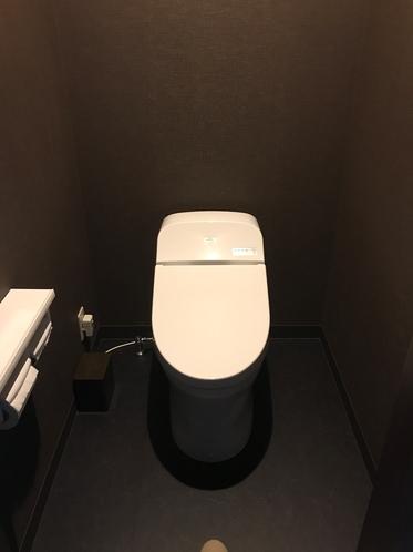 客室用温水洗浄機能付きトイレ