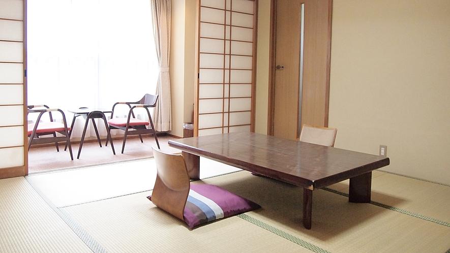 *【部屋】和室8畳でございます。お風呂が付いている部屋には鈍川温泉の湯をひいております。